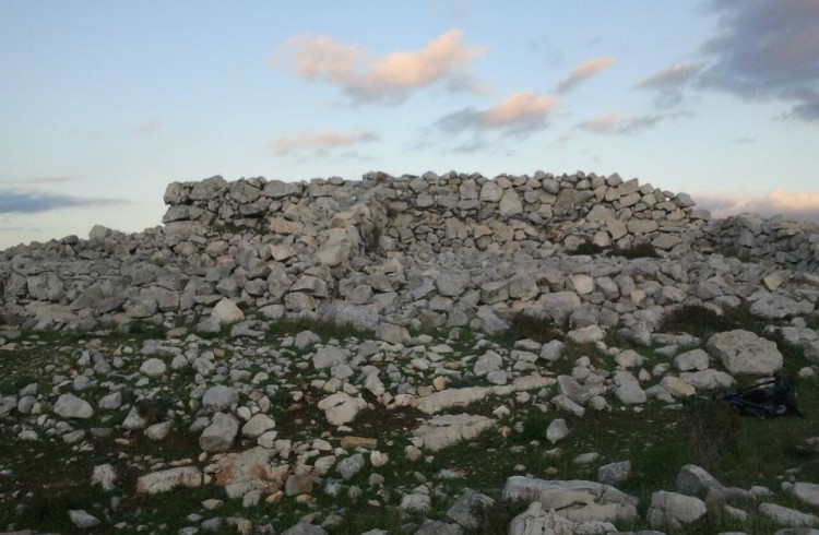 Yoel ben Shlomo – Touring Joshua's Altar on Mount Ebal
