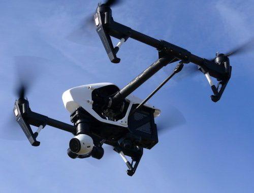 drone-1006886_1280-678x381