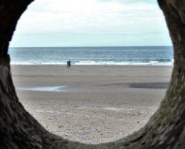 beach-tunnel-1432378_1280-678x381